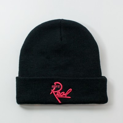 Insignia Beanie / Black & Red